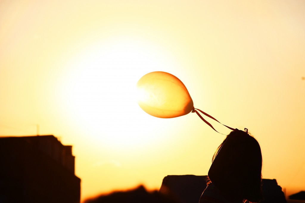 Life-of-Pix-free-stock-photos-sky-girl-balloon-sun-bruno-ramos-lara